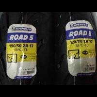 Ban Michelin Pilot Road 5 120/70 -17 & 190/50 - 17 Ninja CBR Z800