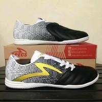 Sepatu futsal specs equinox black gold white 400773 original Murah