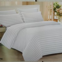 Bed Cover set Emboss Salur Putih King Size Bedcover Hotel
