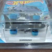 Hot wheels Treasure Hunt 2019- sharkruiser - no 8 serie : street