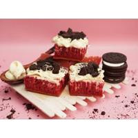 Martabak Pizza Orins Manis Red Velvet Topping Cream Cheese Oreo