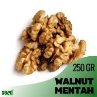 Walnut 250gr Kacang Otak Kenari Mentah