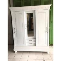 Lemari Pakaian 3 Pintu Putih Slide (Kayu Jati) - P3-09