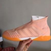 Sepatu Bola Desain Adidas Predator Tango 18 + Warna Pink Ukuran