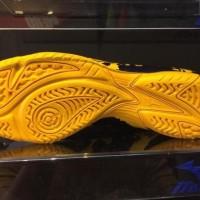 TERLARIS Sepatu Futsal Mizuno RYUOU Peacoat Gold fusion original 100%