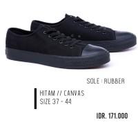 Sneakers Skete Vulca NB Vans Garzee Hitam Polos / Sepatu Sekolah MURAH