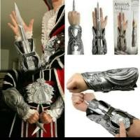 Hidden Blade Creed Assassin Brotherhood Assasin Ezio Real Size Weapon