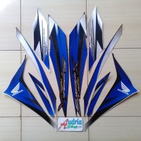 Striping Sticker Motor Honda Supra X helm in 125 2010 biru