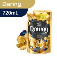 Downy Pewangi Pakaian Perfume Collection Daring 720 ml