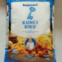 Tepung terigu Kunci Biru Bogasari 1 kg