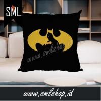 Bantal Sofa / Bantal Kotak / Bantal Dekorasi - Batman Super Hero DC 02