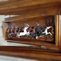 Hiasan dinding relief kuda jati warna kombinasi
