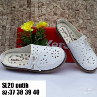 Sepatu Sendal Wanita merk Kickers