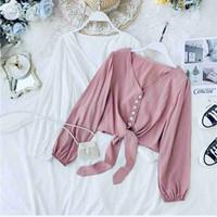 baju pakaian wanita Caroline Top warna: putih & pink