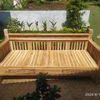 Bangku kayu jati / Kursi kayu jati / Bale-bale kayu jati