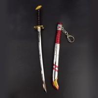 gantungan kunci pedang 22 cm gundam astray red frame