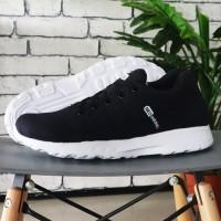 Sepatu casual sport pria running 2018 adidas neo zoom black white