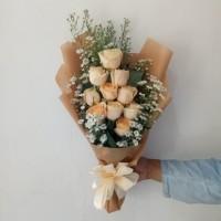 Florist Bucket wisuda bunga mawar hand bouquet buket bunga kado