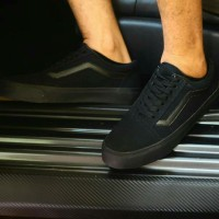 Sepatu Vans Oldskool Classic All Black Sneakers Pria Skate Keren