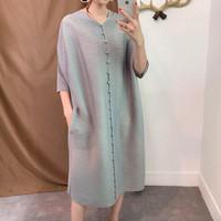 Schönheit Buttoned Pleated Dress