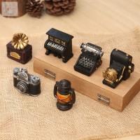 Pajangan Antik Miniatur Bentuk Radio/Kamera/Lampu untuk Dekorasi