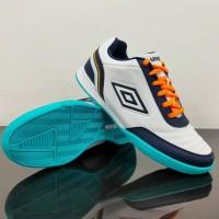 Sepatu Futsal - UMBRO FUTSAL STREET V 81277U HPW White/Evening