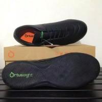 ortuseight utopia black fluo green 11020026 sepatu futsal murah
