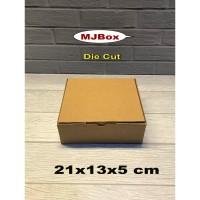 Kardus karton box Uk. 21x13x5 cm..........packing kue Brownies