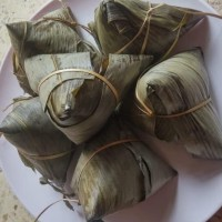 hoot sale Bacang Ketan Isi Daging Babi Enak dan Lezat terjamin