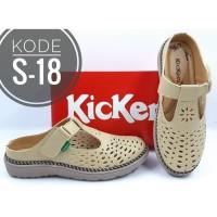 sepatu wanita Fashion Sandal Slip On Wanita Kickers Kode S-18 - Tan