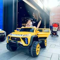 Mainan anak mobil aki ban karet Jeep MOB 2022