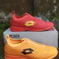 Sepatu Futsal Lotto Spark In orange dan merah