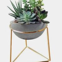 rak atau dudukan pot bunga tanaman hias