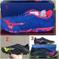 - Sepatu Futsal Mizuno Basara 103 Sala Black Safety Yellow