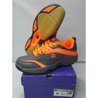 - Sepatu Badminton RS Sirkuit 571