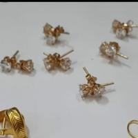Giwang anting putih desi mata putih tusuk emas asli 375