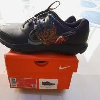 sepatu golf Nike Tiger wood