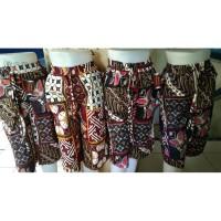 Celana Pendek Wanita Motif Batik Kulot Ukuran 7/8 Bahan Katun - Random