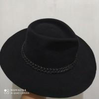 Topi laken model Fedora Stout Hat | Topi Sujiwo Tedjo | Jancukers