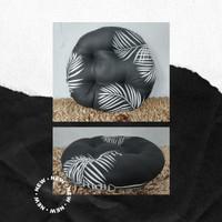Black Monstera, Bantal Duduk Bulat Kualitas Premium Uk 50cm Big Size