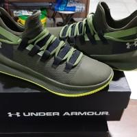 Sepatu Basket Original Under Armour M-Tag Low ( Bekas Kondisi 98% )