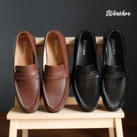 Winshor Loafer Caston - Sepatu Kantor Pantofel Pria Premium - Hitam