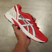 Sepatu Olahraga Lari Asics Tartherzeal 4