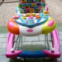 preloved baby walker merk Royal warna Pink