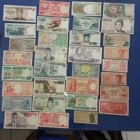UP289 BORONGAN 32 LEMBAR UANG KUNO INDONESIA BEDA2 TIDAK ADA YG SAMa