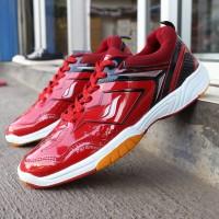 sepatu badminton merah sol karet merk james