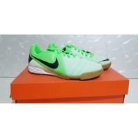Sepatu Nike Futsal - Size 33.5 - 34 - 35 - Original 100% - Baru - New