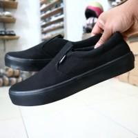 Vans sepatu slip on pria full black kasual hitam polos