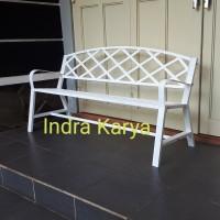 Kursi teras atau kursi taman besi ( 3 orang )