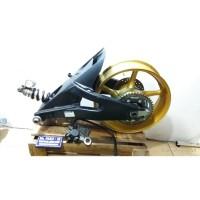 Set Belakang Swing Arm BANANA Velg Yamaha R6. Modifikasi Limbah Moge.